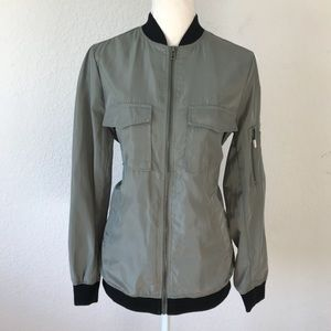FOREVER 21 GREEN WIND BREAKER BOMBER JACKET SMALL